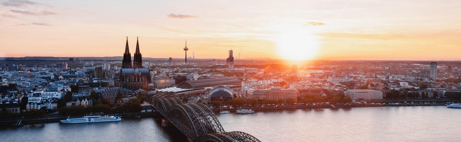 Immer verbunden mit dem Haustelefonbuch der Bezirksregierung Köln